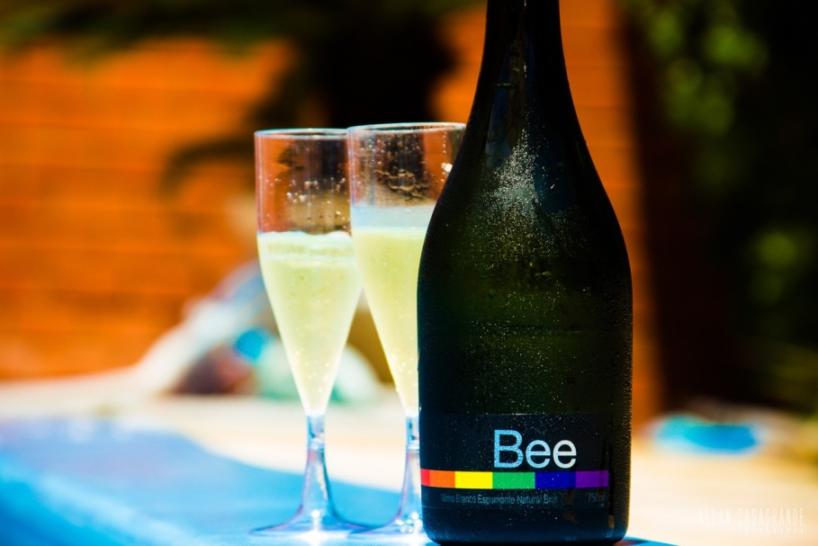 BEE WINE 1